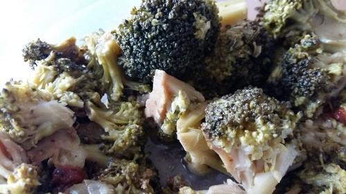 insalata di farro broccoli e pomodorini secchi